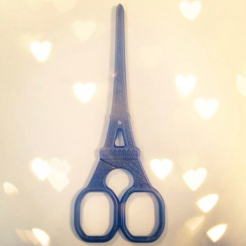 My Eiffel Tower scissors are putting me in the mood to craft this morning!